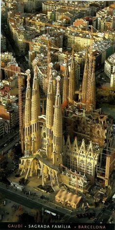 La Sagrada Familia - Barcelona, Catalonia, Spain Great city full of amazing art, fun, and architecture. Gaudi's La Sagrada Familia is a true wonder that should be on everyone's Must See List. Places Around The World, Oh The Places You'll Go, Travel Around The World, Places To Travel, Places To Visit, Around The Worlds, Wonderful Places, Beautiful Places, Beautiful Scenery