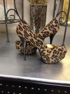 Leopard print pumps! Flair L'atelier