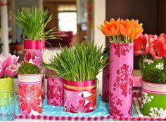 décoration de table printanière en vases pour la table d'enfants