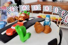 #cake design #Cars #Disney #Pixar pour #anniversaire petit garçon Cars Cake Design, Disney Cars, Disney Pixar, Cookies, Pirate, Desserts, Food, News, Recipe