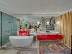 Listing number:P24-103212839, Image number:31 5 Bedroom House, Cape Town, Bathtub, Number, Places, Image, Standing Bath, Bathtubs, Bath Tube