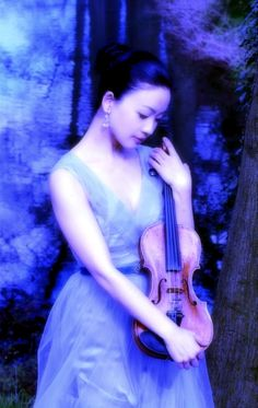 Maya Horikawa | Violinist, Painter, Fashion Designer, Composer Music Pics, Art Music, Violin Art, Just Beauty, Ways Of Seeing, Love Blue, You're Beautiful, People Of The World, Classical Music