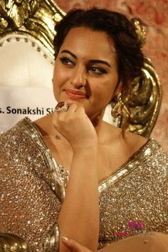 Sonakshi Sinha at Lingaa Movie Audio Launch