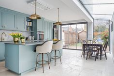 A nutritional therapist's dream kitchen - Sola Kitchens Oval Room Blue, Open Plan Kitchen, Kitchen Ideas, Brass Handles, Farrow Ball, Eating Plans, Kitchen Styling, Scandinavian Style, Kitchens