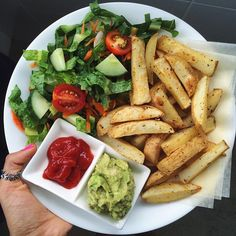 "dessert hummus baked fries with avocado hummus (so good!), ketchup + salad // ""Be kinder to yourself. And then let your kindness flood the world. Vegetarian Recipes, Cooking Recipes, Healthy Recipes, Avocado Hummus, Plats Healthy, Healthy Snacks, Healthy Eating, Healthy Hummus, Healthy Carbs"