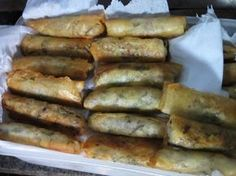 Konečně jsem našla recept na výborné vietnamské závitky, které jsou dobré a můžu si je udělat doma! Easy Dinner Recipes, Hot Dogs, Sausage, Cooking, Ethnic Recipes, Milan, Diet, Easy Dinner Recipies, Kitchen