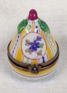 MINI INSECT ON OVAL LIMOGES BOX AUTHENTIC PORCELAIN FIGURINE FROM FRANCE