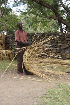 weave a basket in Kenya