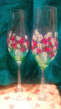 Hand painted champagne flutes by Dollyplops on Etsy https://www.etsy.com/listing/262641668/hand-painted-champagne-flutes