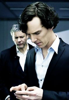 Sherlock is beautiful. And Lestrade's duck face is priceless. <-- Not much there to argue with.