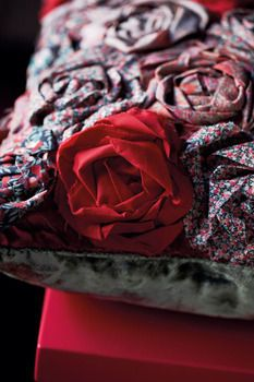 High-end fabric designers Liberty of London show you how to make this tres chic Liberty Rose pillow.