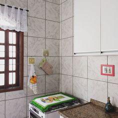 My sweet kitchen 😍😄😊 . Com direito a quadrinhos DIY❤ . . #minhacasacolorida #maiscorporfavor #minhacasapop #artecomdecorei #casacomalma #casasreais #historiasdecasa #casadeamados #todacasatemumahistoria #vidasimples #decorarmaispormenos #decor #decoracaoafetiva #minhacasaminhacara #decoracao #wonderland #homesweethome #simplicidade #cozinha #vintage  #sucodenuvem #leveza #delicadezas #fofuras #DIY #decor #arte #lardocelar #cores #sonhos #slowlife