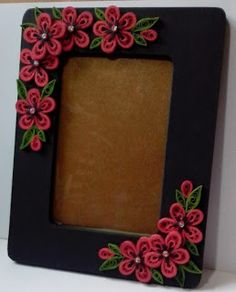 Let's create: Pink, Red and Black Quilling Frame. Click through to see the pink version.  Clearly, I like the red one better. #frames #quilling #crafts