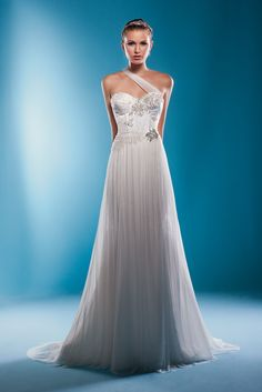wedding dress that is a work of art. By Brides by Design