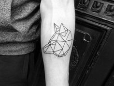 Geometric animal tattoos are a great way to put a new, creative spin on the common animal tattoo. Here are 25 of my favorite geometric animal tattoo designs. Wolf Tattoos, Animal Tattoos, Tatoos, Future Tattoos, Tattoos For Guys, Cool Tats, Tattoo Blog, Tattoo Art, Skin Art