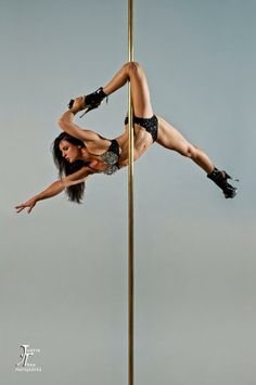 Pole Picture of the Day: Michelle Shimmy, Shimmy...Photography by Justin Tran Photography