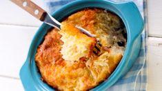 Chec de dovlecei - Retete culinare - Romanesti si din Bucataria internationala Halloumi Burger, Mango, Seitan, Tzatziki, Frappe, Cornbread, Mashed Potatoes, Macaroni And Cheese, Casserole