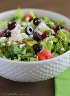 SO Yummy & Easy Greek Salad with the best homemade dressing recipe. This is a must make salad!