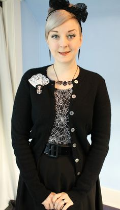 Coffin Kitsch: Spider Webs and Wool Sweaters #outfit #goth #jublyumph