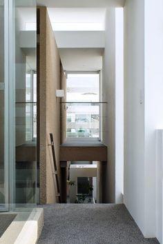 japan-architects.com: 前田圭介/UIDによる住宅「群峰の森/COSMIC」:前編. Keisuke Maeda/ UID Architects