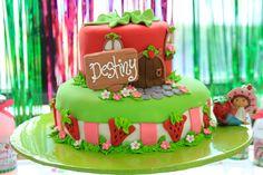 Strawberry Shortcake cake #strawberryshortcake #party