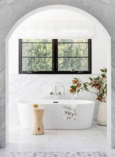 Behold: The 12 Simple Bathroom Ideas That Gave Us Goosebumps | MyDomaine. Design by Studio Lifestyle