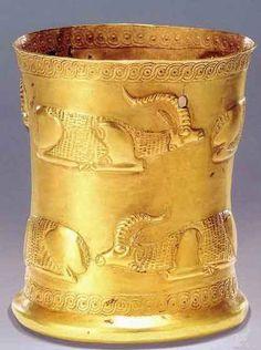 نوشته های جلال گیلان جام مارلیک Treasure from  Marlik,Iran Gold cup 1000  BC