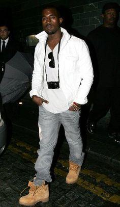 Kanye West com sua Yellow Boot. Entenda a história da clássica bota Timberland em nosso blog: www.timberland.com.br/blog
