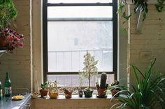 Freunde von Freunden — Michael Allen — Designer & Craftsman, Apartment, Williamsburg, New York City  — http://www.freundevonfreunden.com/int...