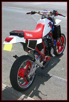 Motorcycle Dirt Bike, Scrambler Motorcycle, Moto Bike, Cafe Racer Seat, Cafe Racer Style, Motocross Baby, Custom Sport Bikes, Motorbike Design, Yamaha Motorcycles