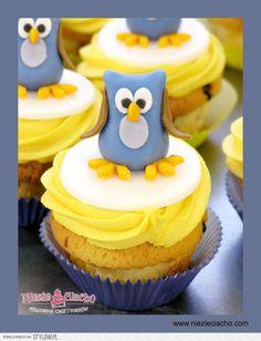 Cup cakes, żółto-niebieski cup cake, cup cake z sową, sowa, ptaszek, słodki stół, ciasteczko, muffinki, Tarnów