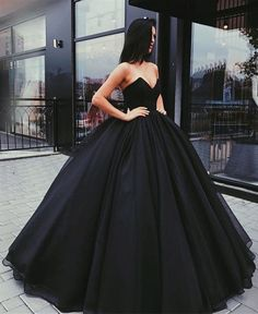 black ball gowns wedding dress,strapless wedding dress,black prom dresses ball gowns,black quinceanera dresses