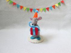 Felt mouse cake topper grey mouse miniature felt by RALOOLAND