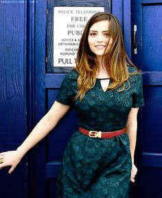 Jenna-Louise Coleman as Clara Oswald Dr Who, Doctor Who Clara, Serie Doctor, Doctor Who Companions, Head Band, Trendy Hairstyles, Beautiful Actresses, Her Hair, Beautiful People