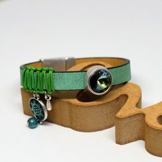 Βραχιόλι δερμάτινο green peridot Swarovski Green Peridot, Swarovski, Bracelets, Leather, Jewelry, Jewlery, Jewerly, Schmuck, Jewels
