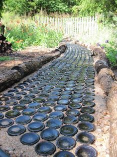 HOLY MOLY!!! LOVE this!!  Wine Bottle Garden Path