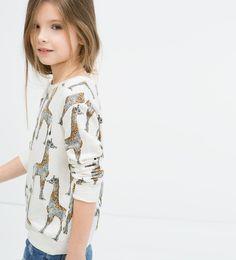 Imagen 1 de Sudadera jirafas de Zara