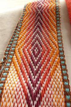 Modelo 5 Inkle Weaving Patterns, Swedish Weaving Patterns, Loom Patterns, Crochet Patterns, Card Weaving, Tablet Weaving, Weaving Art, Loom Weaving, Inkle Loom