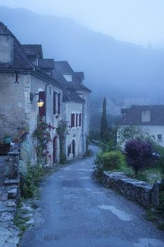 Misty Dawn, Saint Cirq Lapopie, France photo via myinner Belle France, France 2, Provence France, Places To Travel, Places To See, Beautiful World, Beautiful Places, Misty Dawn, Dordogne