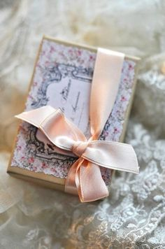 ♥Lovely giftwrap!!! Bebe'!!! Pretty printed box with delicate satin ribbon!!!