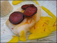 Voilà déjà plusieurs semaines que j'ai fait cette recette, et franchement à revoir les photos, je la referais bien tout de suite, c'était vraiment super bon! Un plat vraiment exquis, où le poisson se marie à merveille avec le chorizo grillé et la sauce...