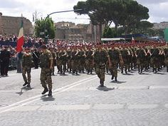 "Brigata paracadutisti ""Folgore"" - Wikipedia"