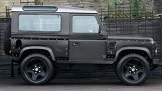 Chelsea Wide TrackLand Rover Defender 2.2 TDCi SW 90