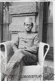 Rare Pictures, Historical Pictures, Rare Photos, Freedom Fighters Of India, Subhas Chandra Bose, Lakshmi Images, Best Hero, Life After Death, History Of India