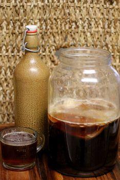 Ricetta della settimana: kombucha caffe fermentato. Per chi ama il caffe, o per chi non lo digerisce, questa ricetta vi aiutera' a usufruire dei benefici dei probiotici al sapore di caffe! #kombucha #caffe #probiotici