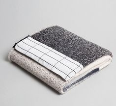 The Minimalist Store /  MOD collection blanket 01 by Mae Engelgeer