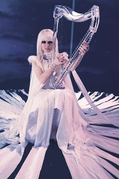 Kerli Koiv with CT30 harp used in Tea Party video