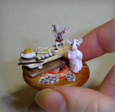 La Bottega delle Fate: Geisha - mouse miniature on spoon