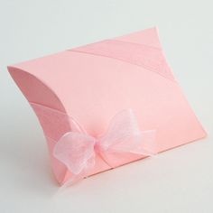 part of the Lari favours and boxes collection at www.matildasfavours.net UK retail supplier.