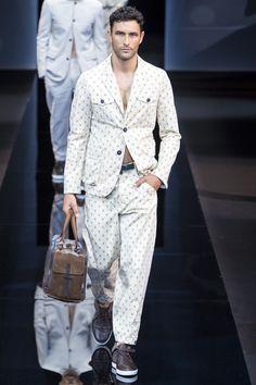Giorgio Armani Spring 2017 Menswear Photos